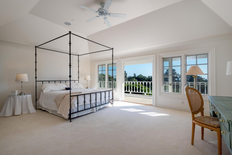 1060GolfRoad_Bedroom1.jpg
