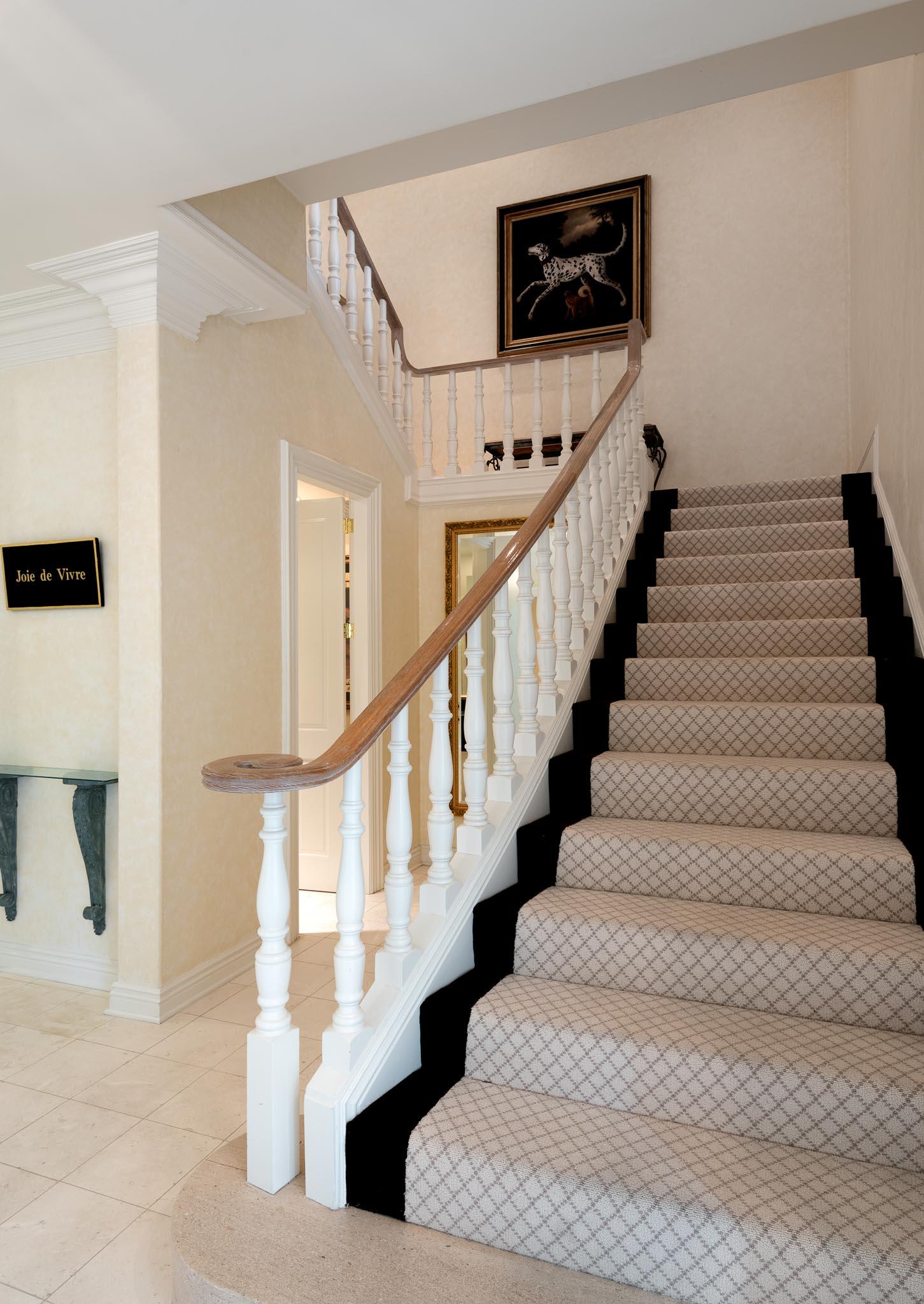 1060GolfRoad_StairwayView1.jpg