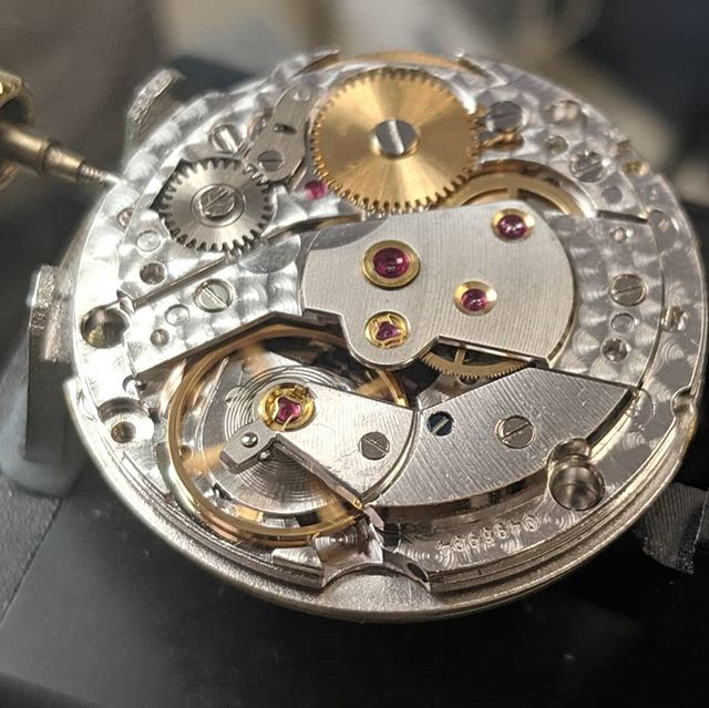 Name the movement and watch!  #artdialwatch #artdialwatchsouthfield #watchrepair #watchrepairdetroit #watchrepairmichigan #watchservice #watchservicedetroit #watchservicemichigan #watchmovement #watchnerd #watchmaker #horology #watchgeek #watchlover #watchesofinstagram #wotd #womw #wruw #wis