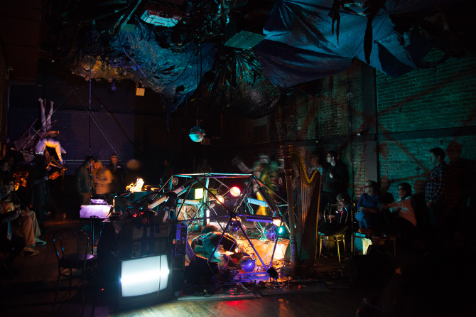 Prophetika, La Mama Experimental Theatre Club (2015), photo credit: Hao Bai