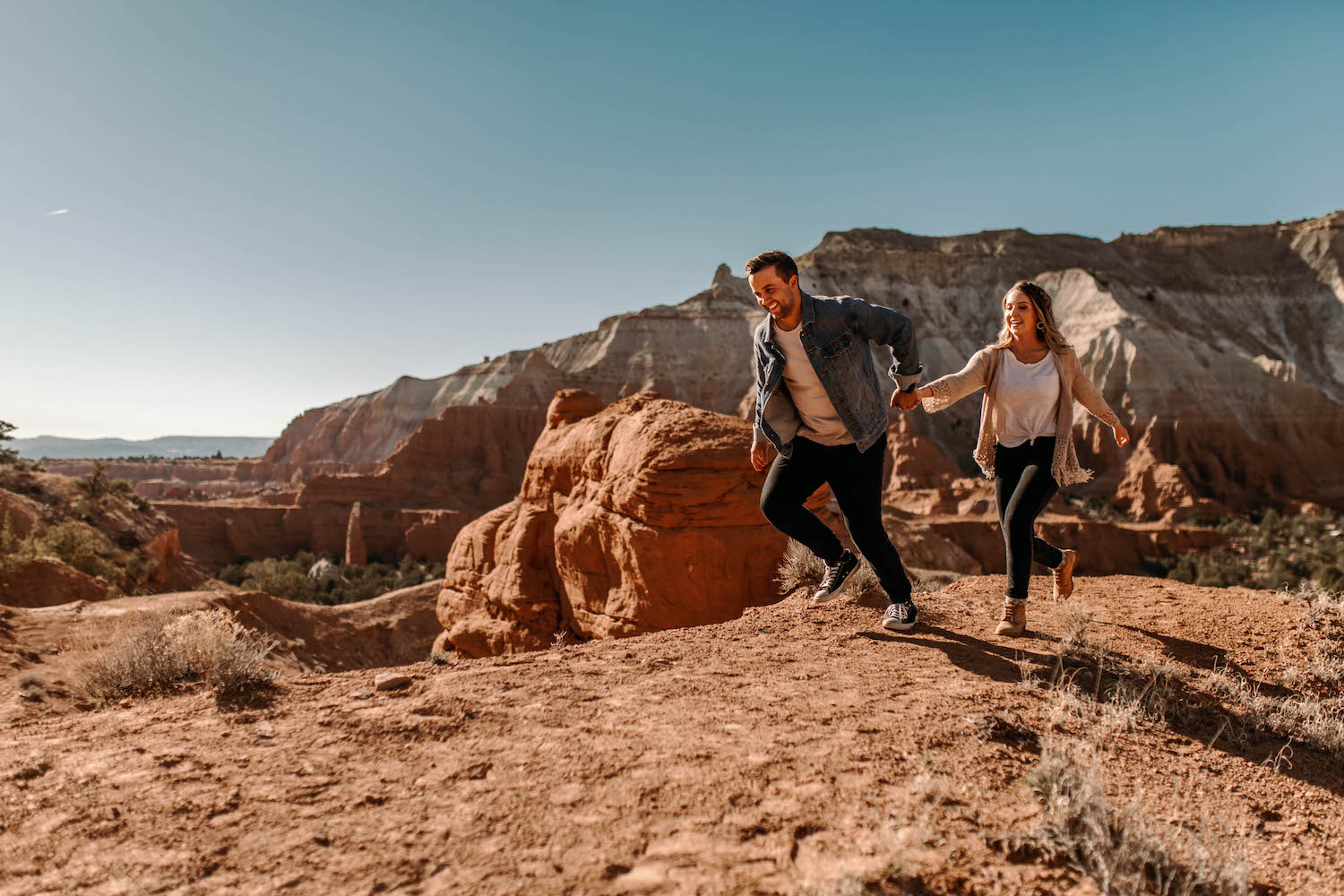 Bryce-Canyon-National-Park-Adventure-Couple-Session-16.jpg