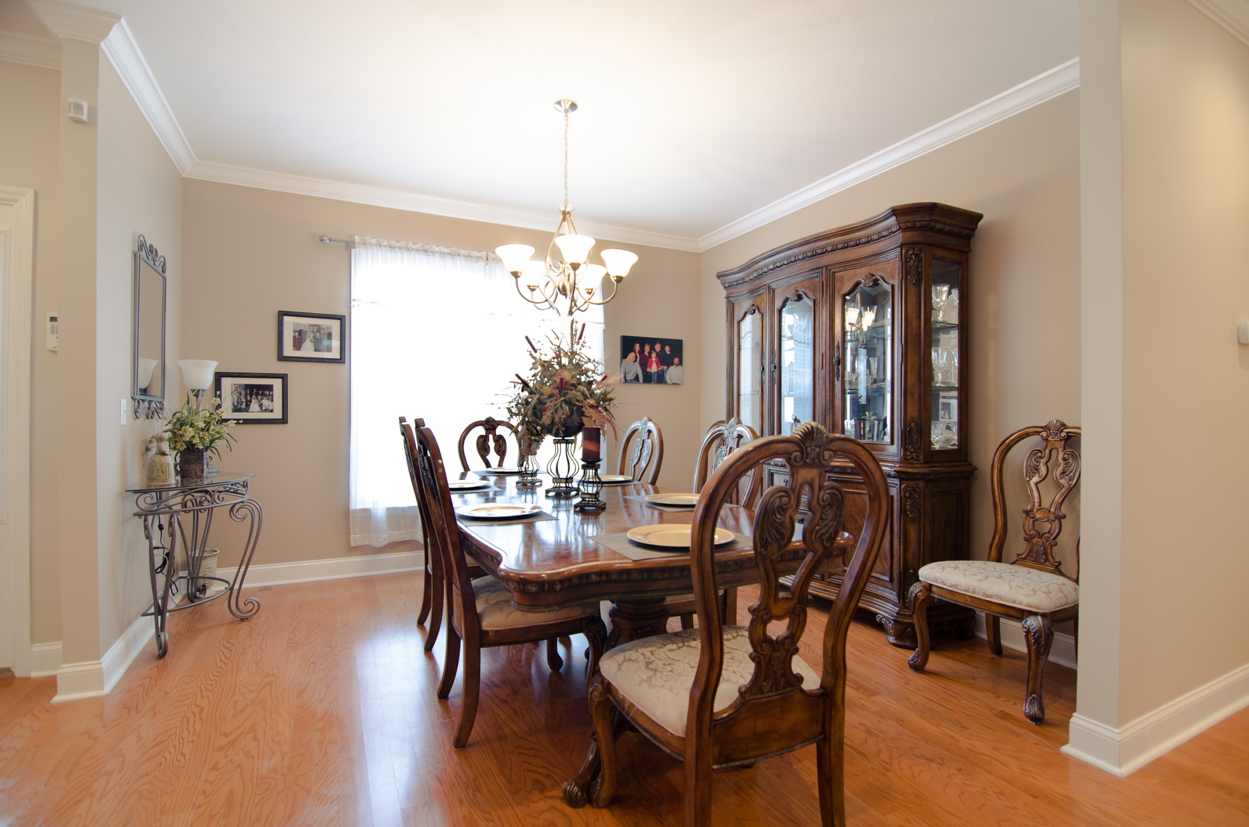 3riversrealty-diningroom.jpg