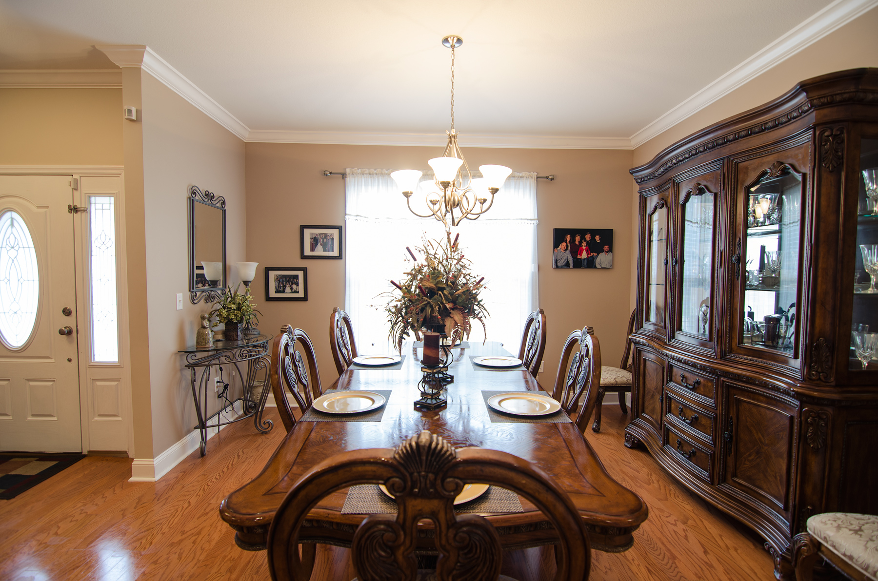 3riversrealty-diningroom2.jpg
