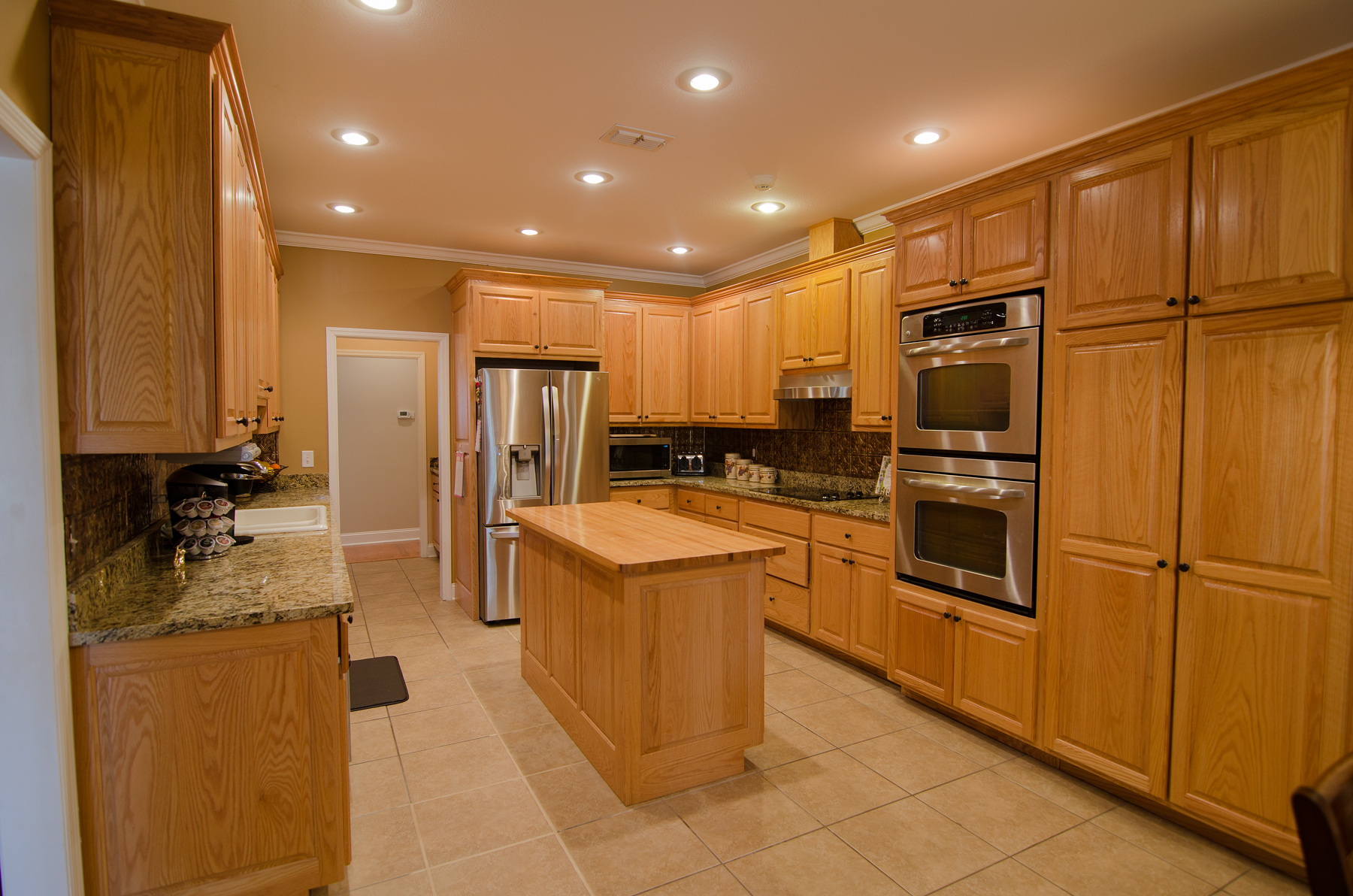3riversrealty-kitchen.jpg