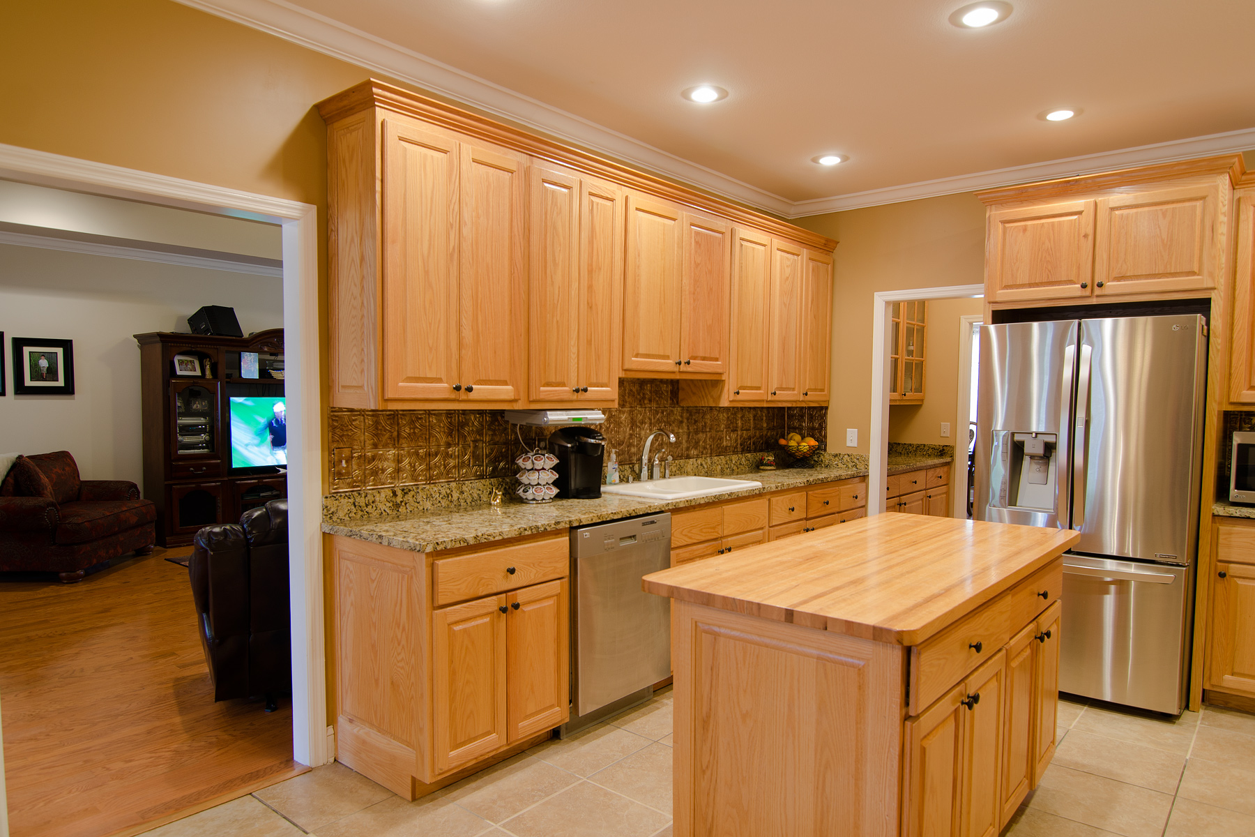 3riversrealty-kitchen2.jpg