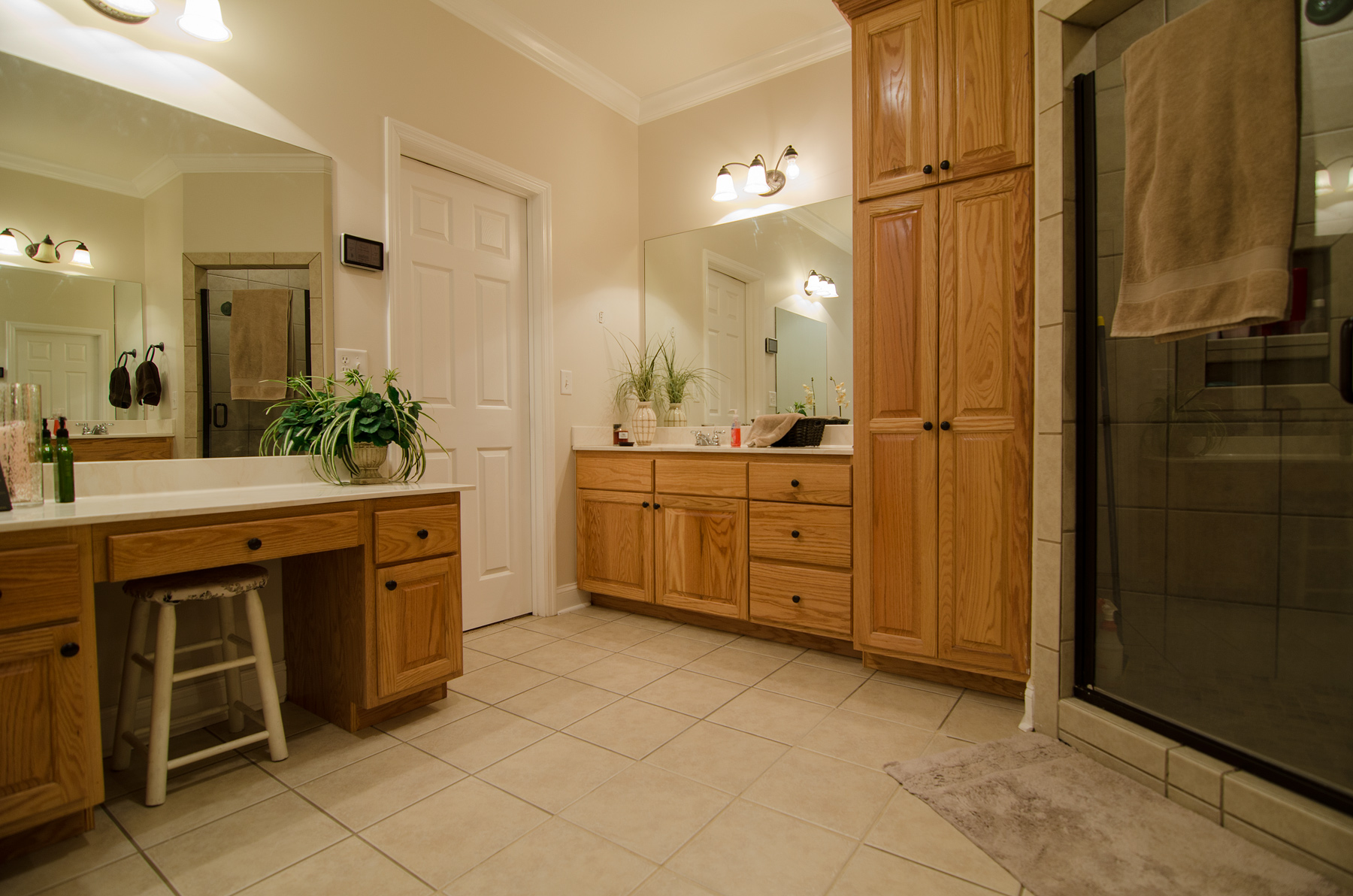 3riversrealty-masterbath.jpg