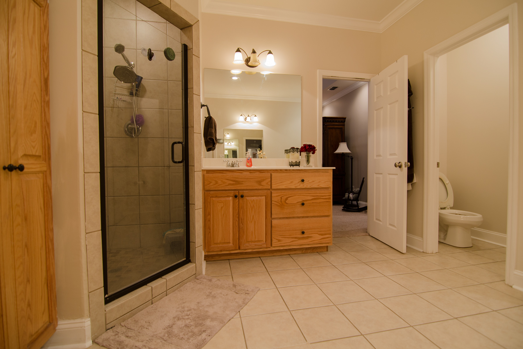 3riversrealty-masterbath3.jpg