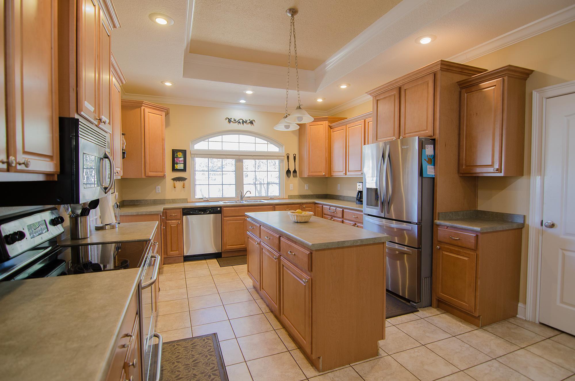 3riversrealty,-bainbridge-home-for-sale,boxwood-drive,mills-brock,randee-eubanks,kitchen.jpg