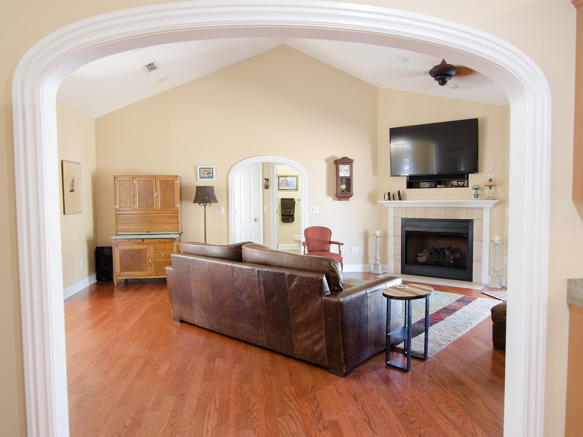 3riversrealty,-bainbridge-home-for-sale,boxwood-drive,mills-brock,randee-eubanks,livingroom2.jpg