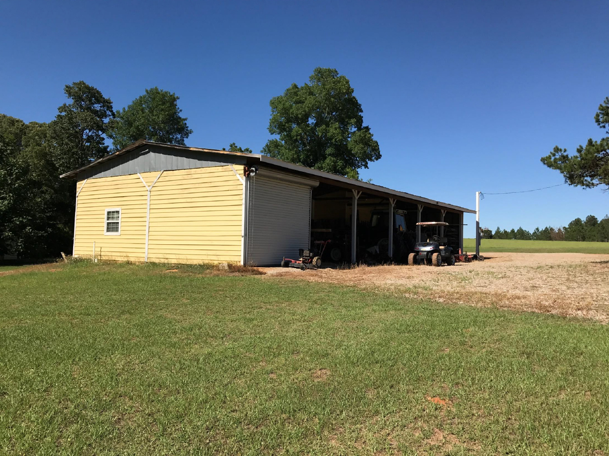 3riversrealty,plantation,middle-georgia-farm,secluded-living,private-get-away,mills-brock,georgia-land-for-sale,barn.jpg
