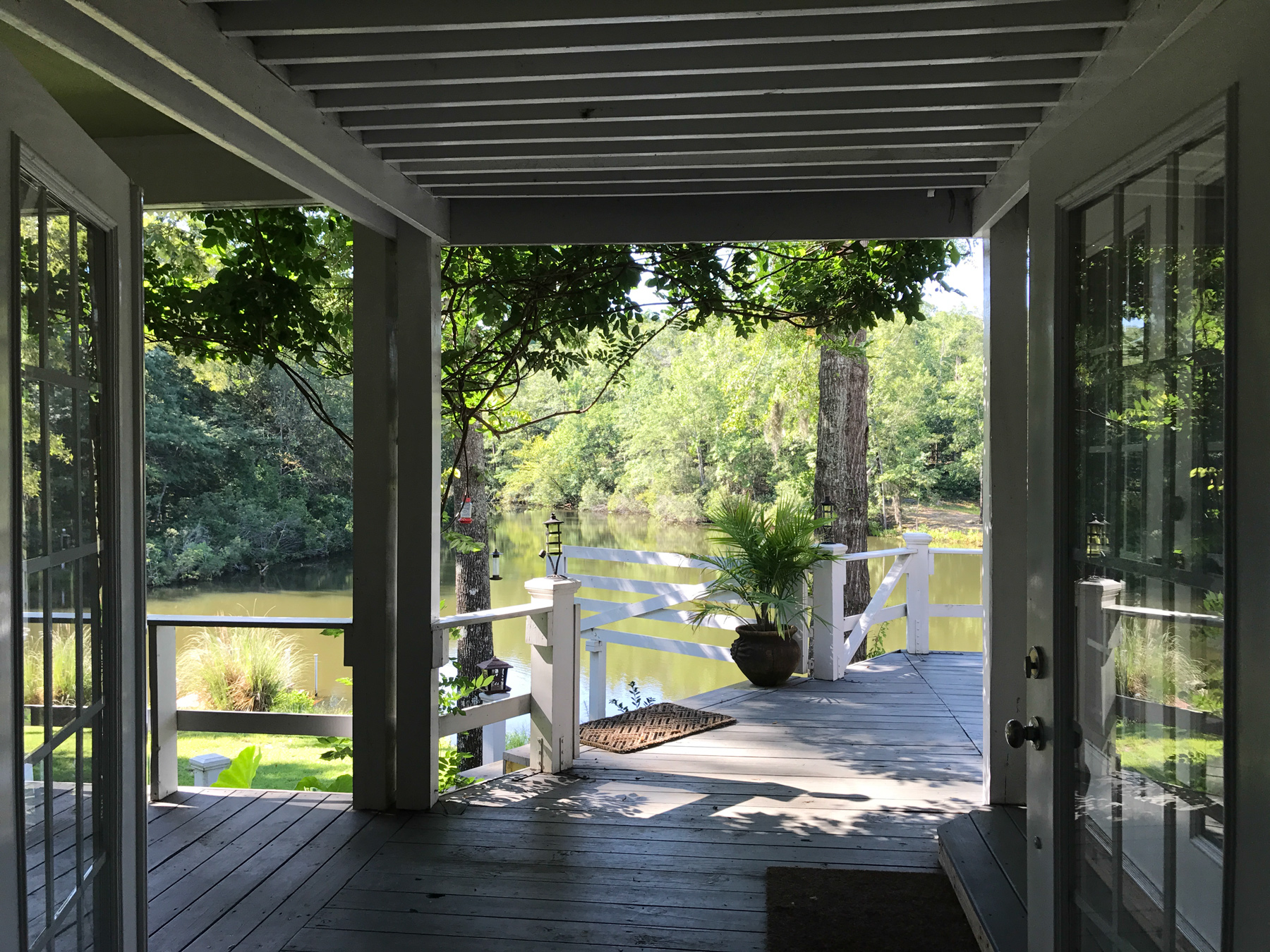 3riversrealty,plantation,middle-georgia-farm,secluded-living,private-get-away,mills-brock,georgia-land-for-sale,porch-pond-view.jpg