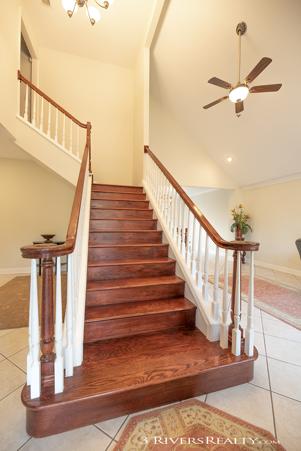3-rivers-realty,three-rivers-realty,bainbridge-ga-real-estate,mills-brock,taurususa,bainbridge-georgia-homes-for-sale,stairs.jpg