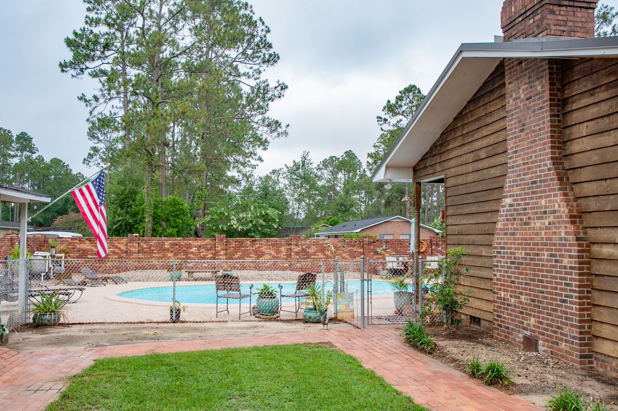 3-rivers-realty,3rr,911-morningside-drive,bainbridge-real-estate,bainbridggarealestate,mills-brock,three-rivers-realty,side-yard-pool.jpg