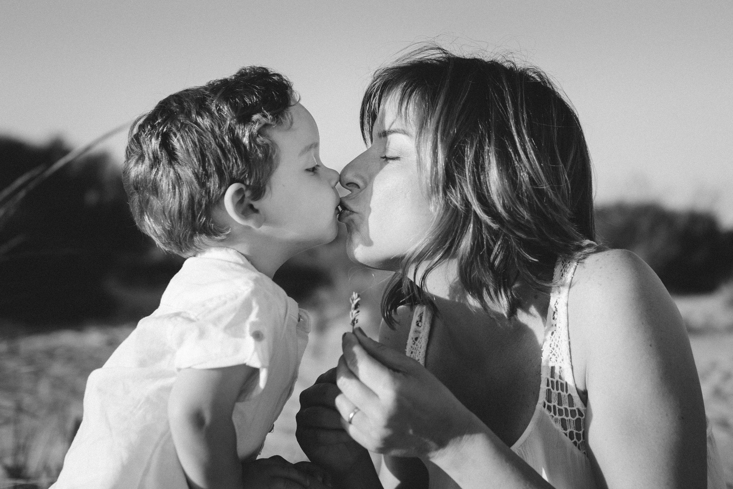 beso de madre