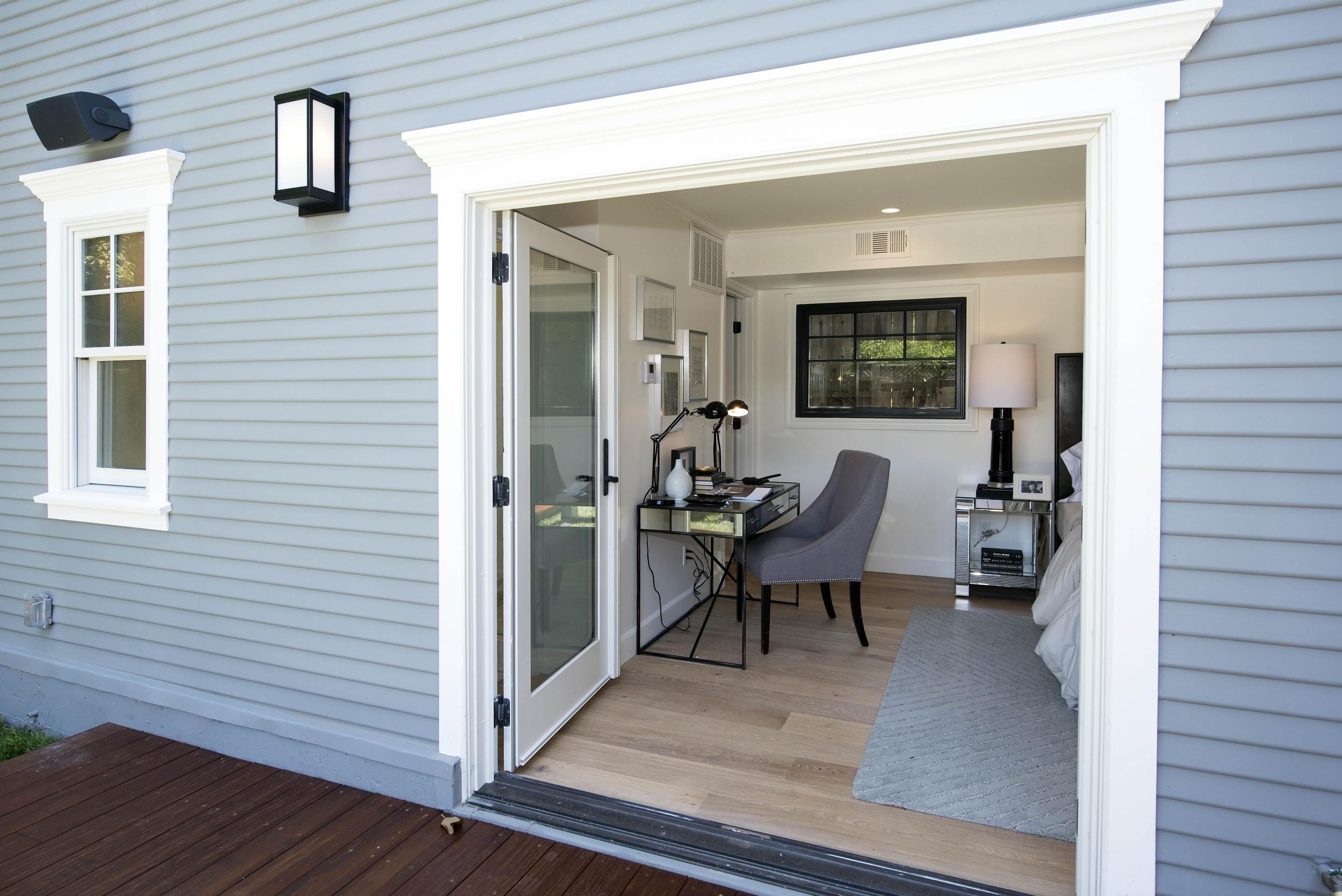 Bedroom DSC_3980.jpg