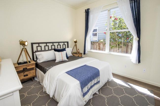 Bedroom DSC_6508.jpg