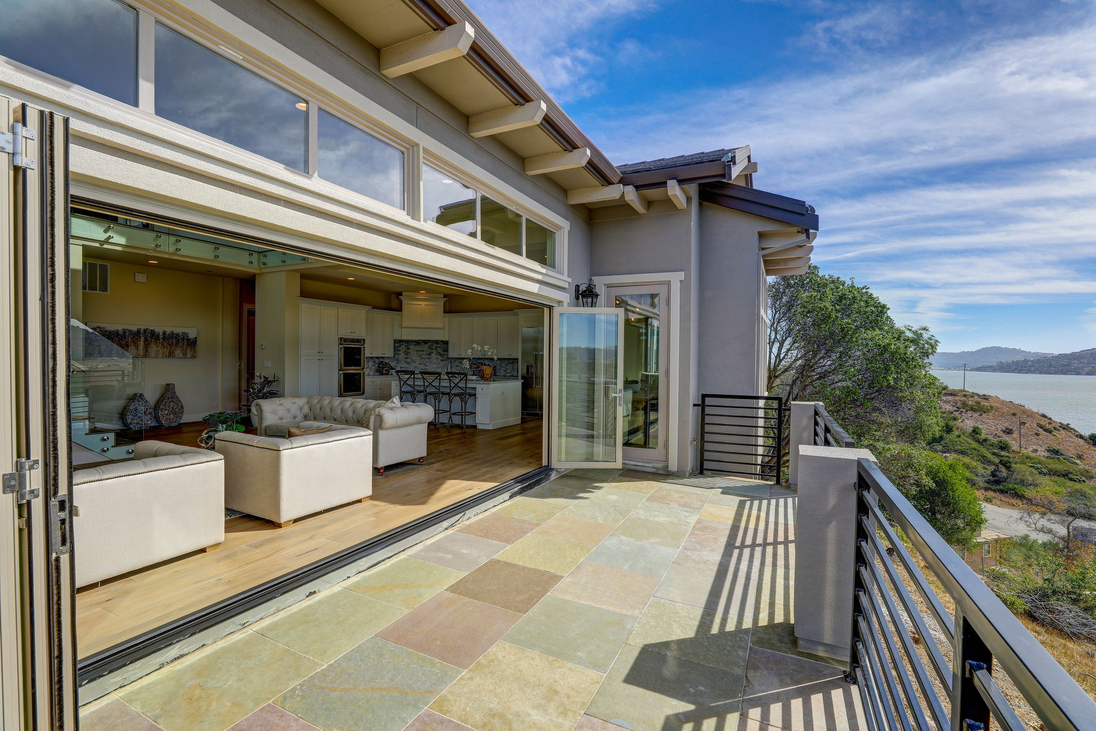 31 Drakes Cove, Larkspur Homes for Sale26 MLS - Own Marin with Compass - Mill Valley Realtor.jpg