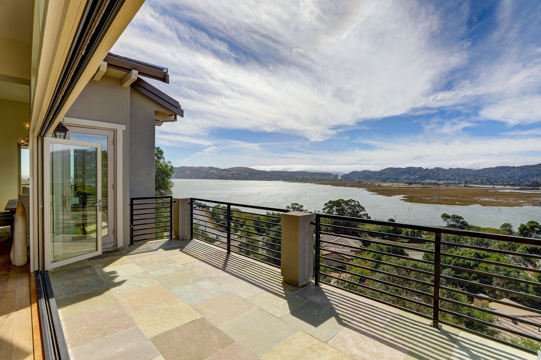 31 Drakes Cove, Larkspur Homes for Sale27 MLS - Own Marin with Compass - Mill Valley Realtor.jpg