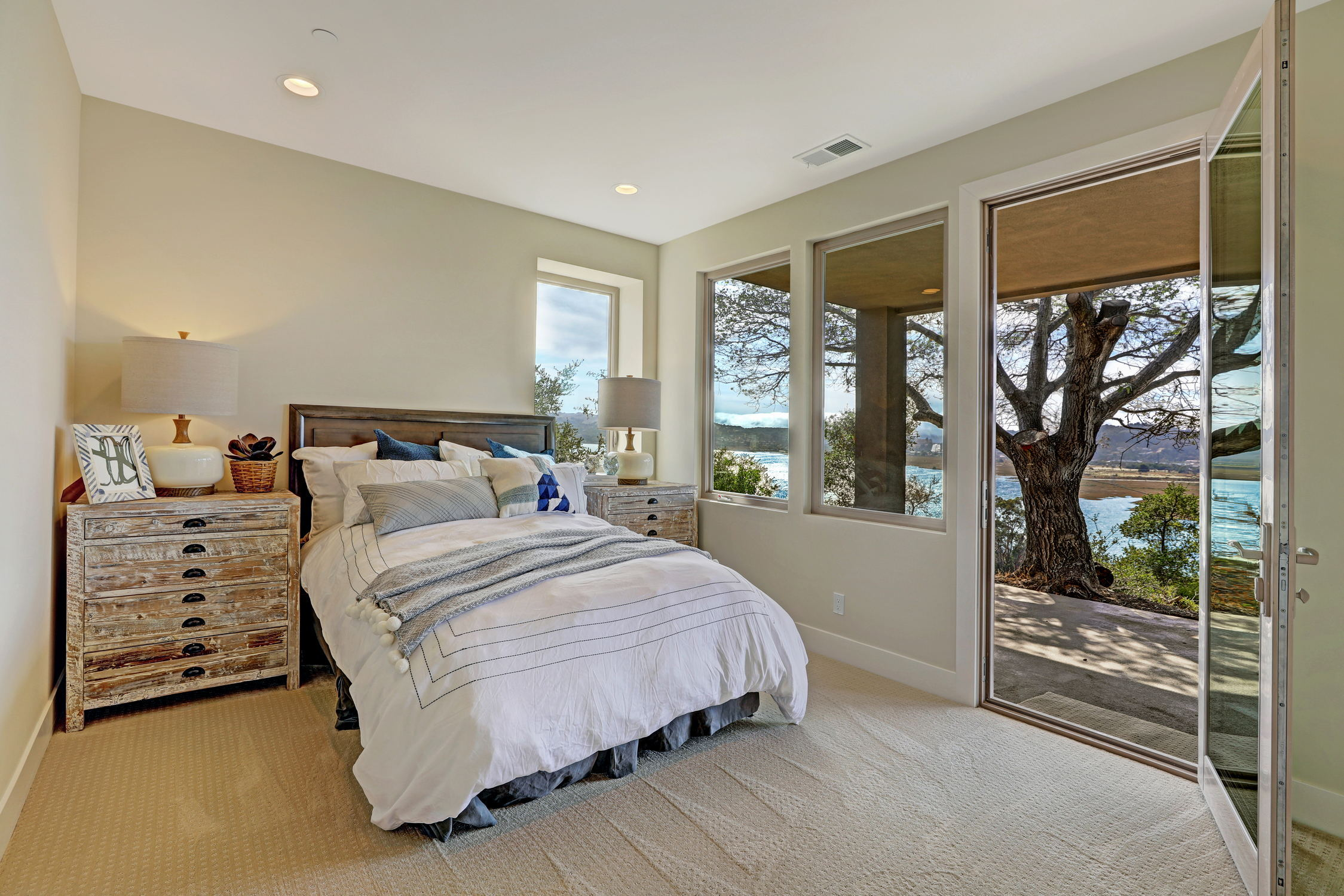 31 Drakes Cove, Larkspur Homes for Sale55 MLS - Own Marin with Compass - Mill Valley Realtor.jpg