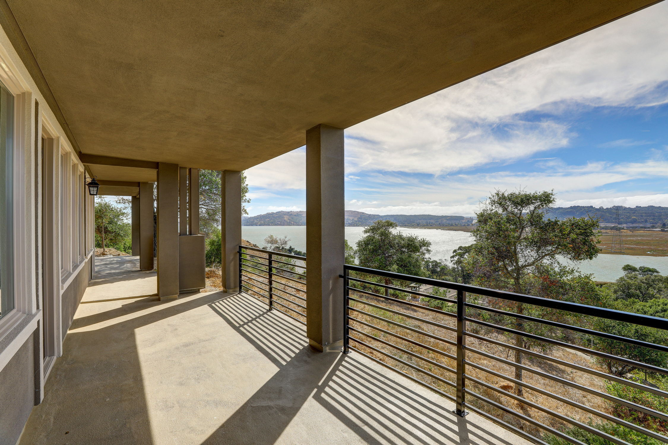 31 Drakes Cove, Larkspur Homes for Sale62 MLS - Own Marin with Compass - Mill Valley Realtor.jpg