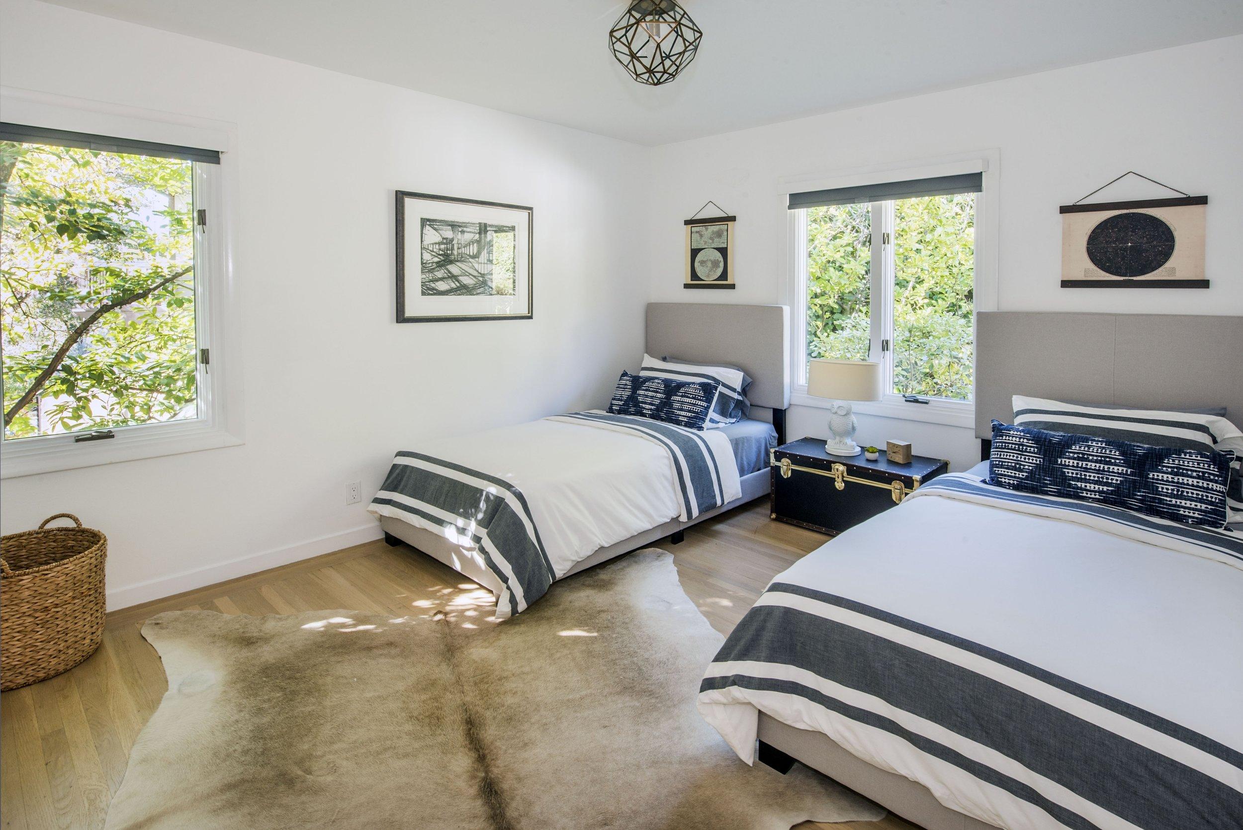 Bedroom_DSC_3736.jpg