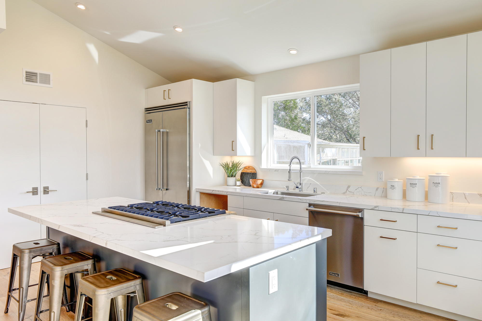38 Ryan Avenue, Mill Valley - Sycamore Park Homes for sale - 26- Listed by Team Own Marin with Compass Real Estate.jpg