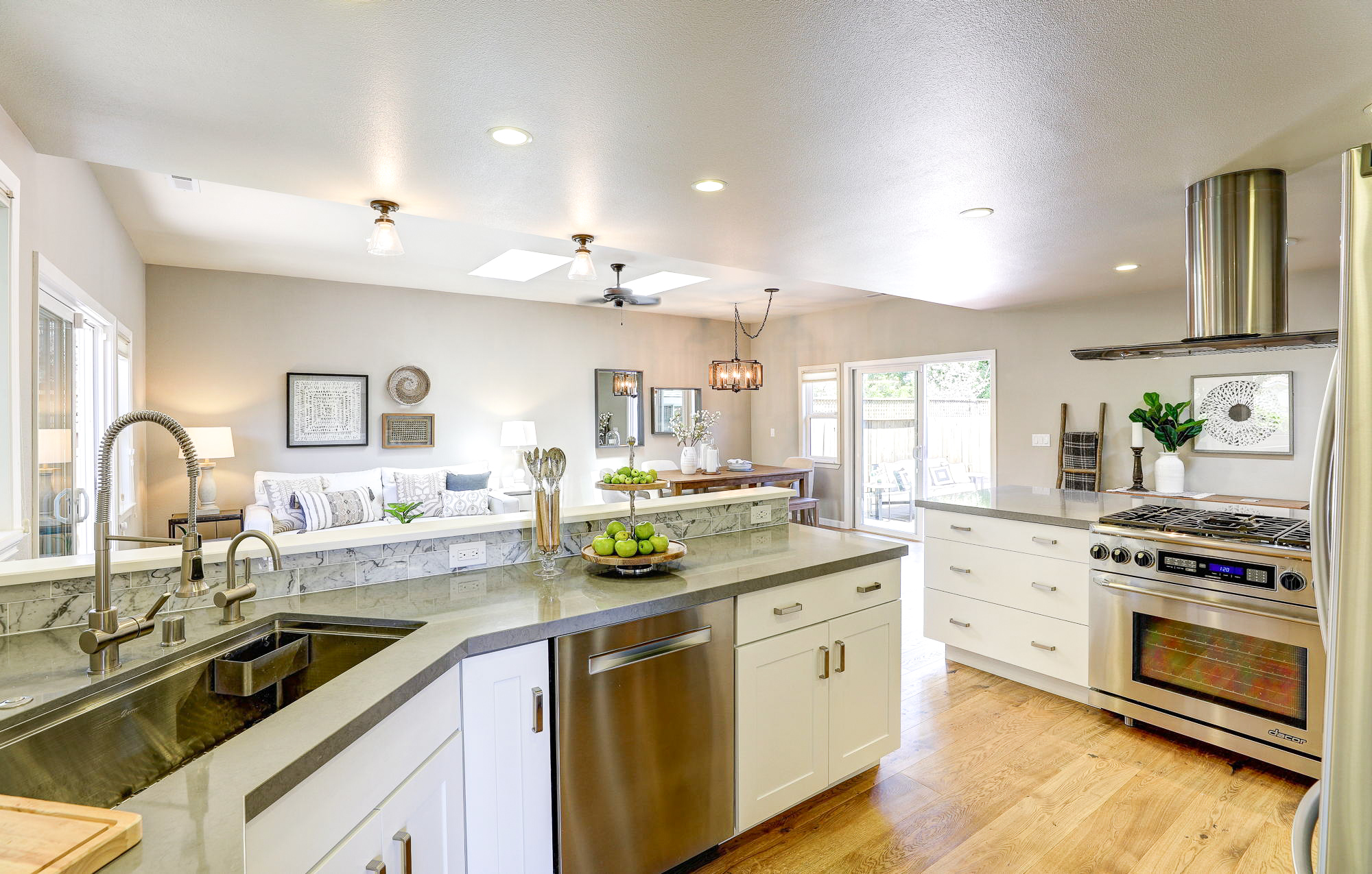 2Yolo 19- Listed by Julia Fitzpatrick - Own Marin with Compass Real Estate.jpg