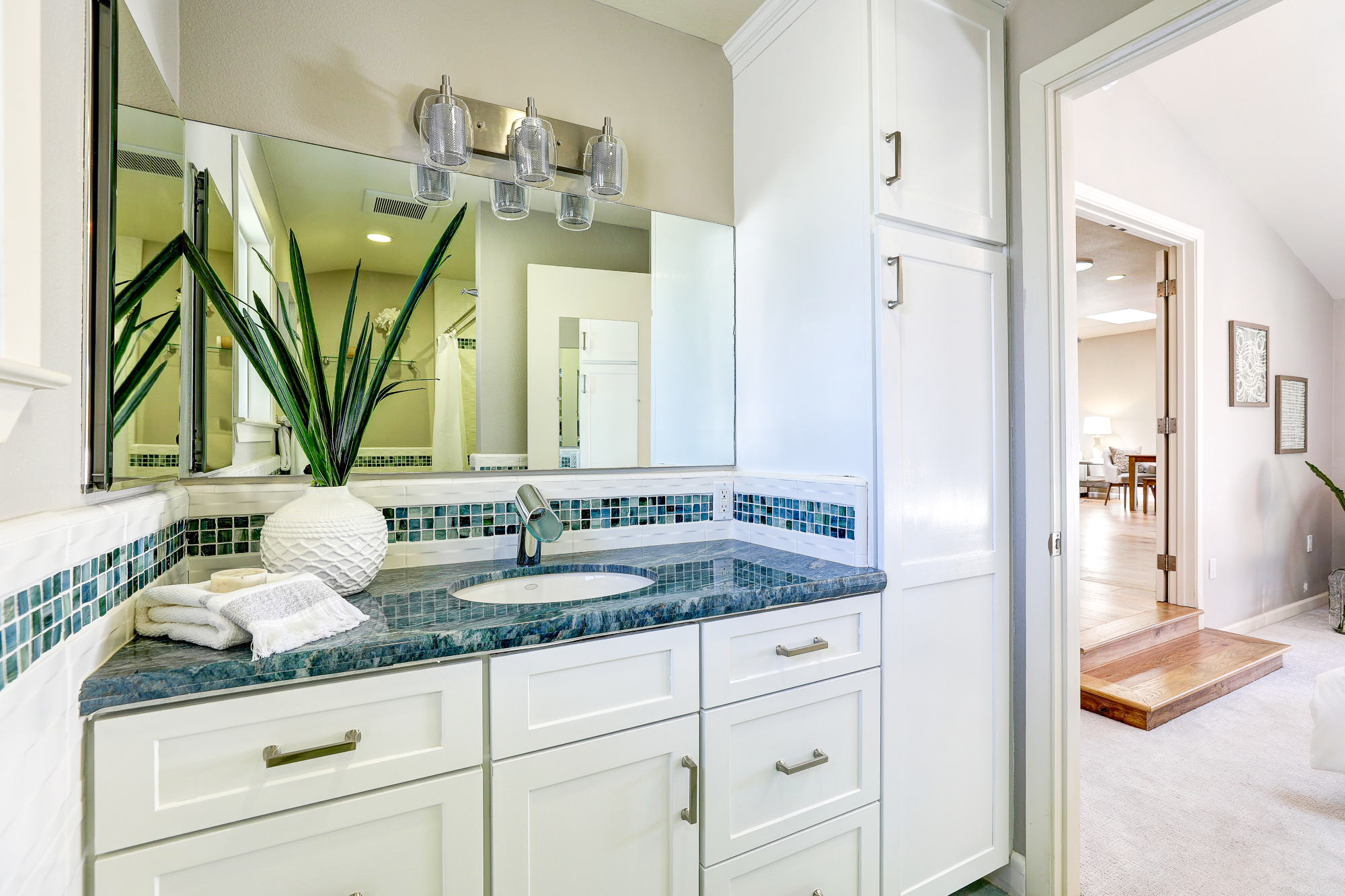 2Yolo 38- Listed by Julia Fitzpatrick - Own Marin with Compass Real Estate.jpg