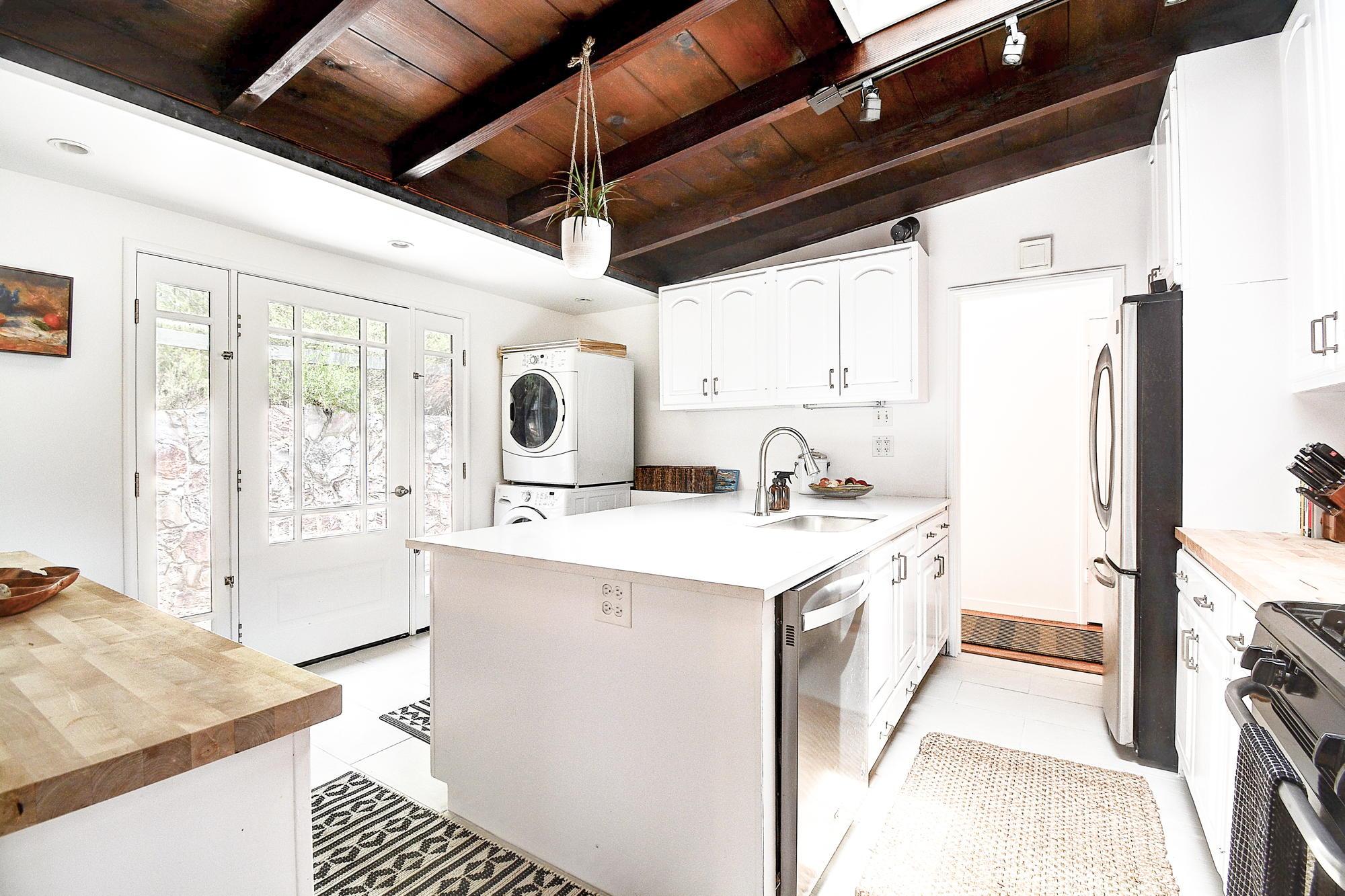 15 Gloria Drive, San Rafael Real Estate-19-2- Julia Fitzpatrick & Allie Fornesi Team Own Marin at Compass.jpg