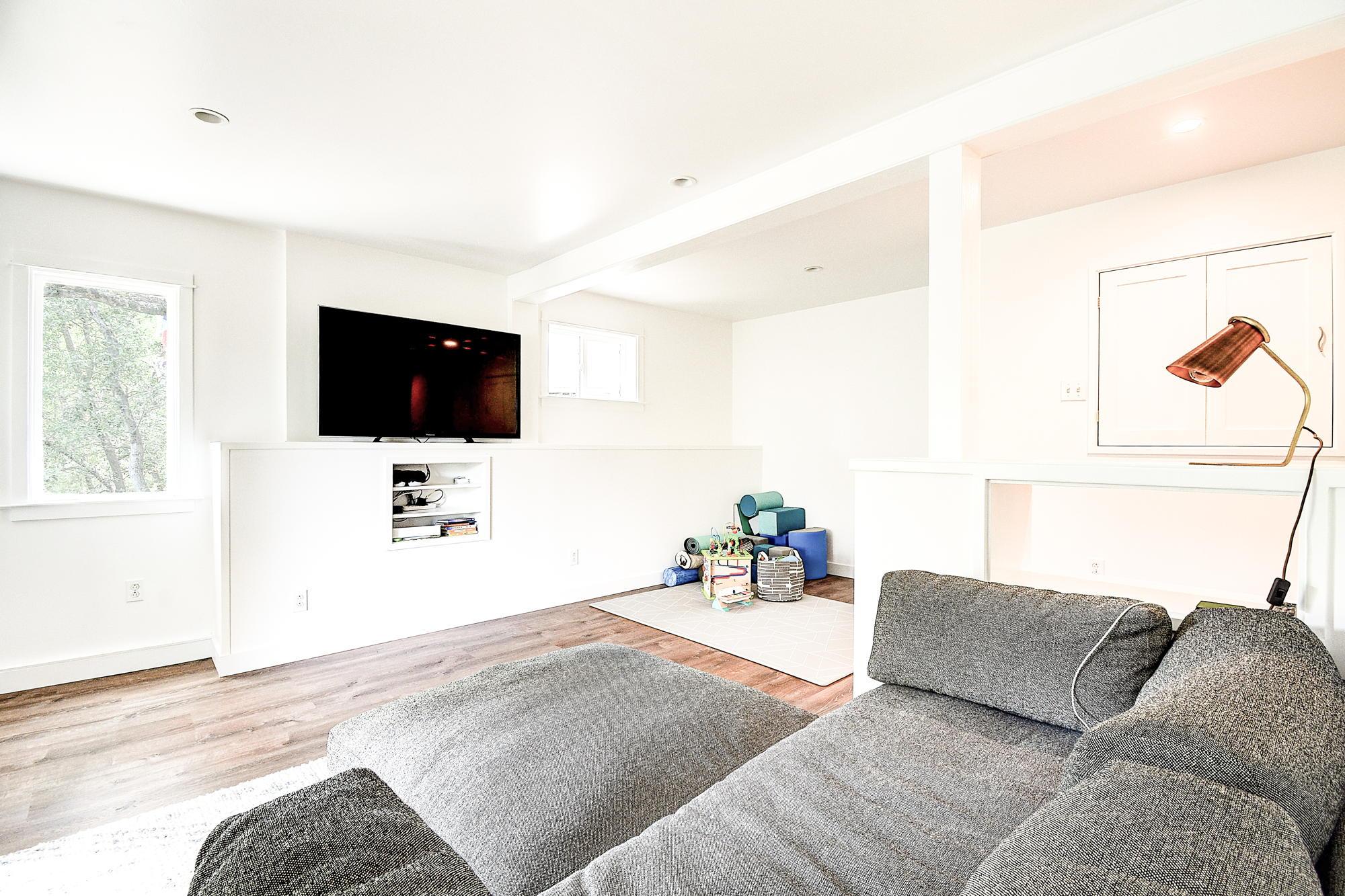 15 Gloria Drive, San Rafael Real Estate-39-2- Julia Fitzpatrick & Allie Fornesi Team Own Marin at Compass.jpg