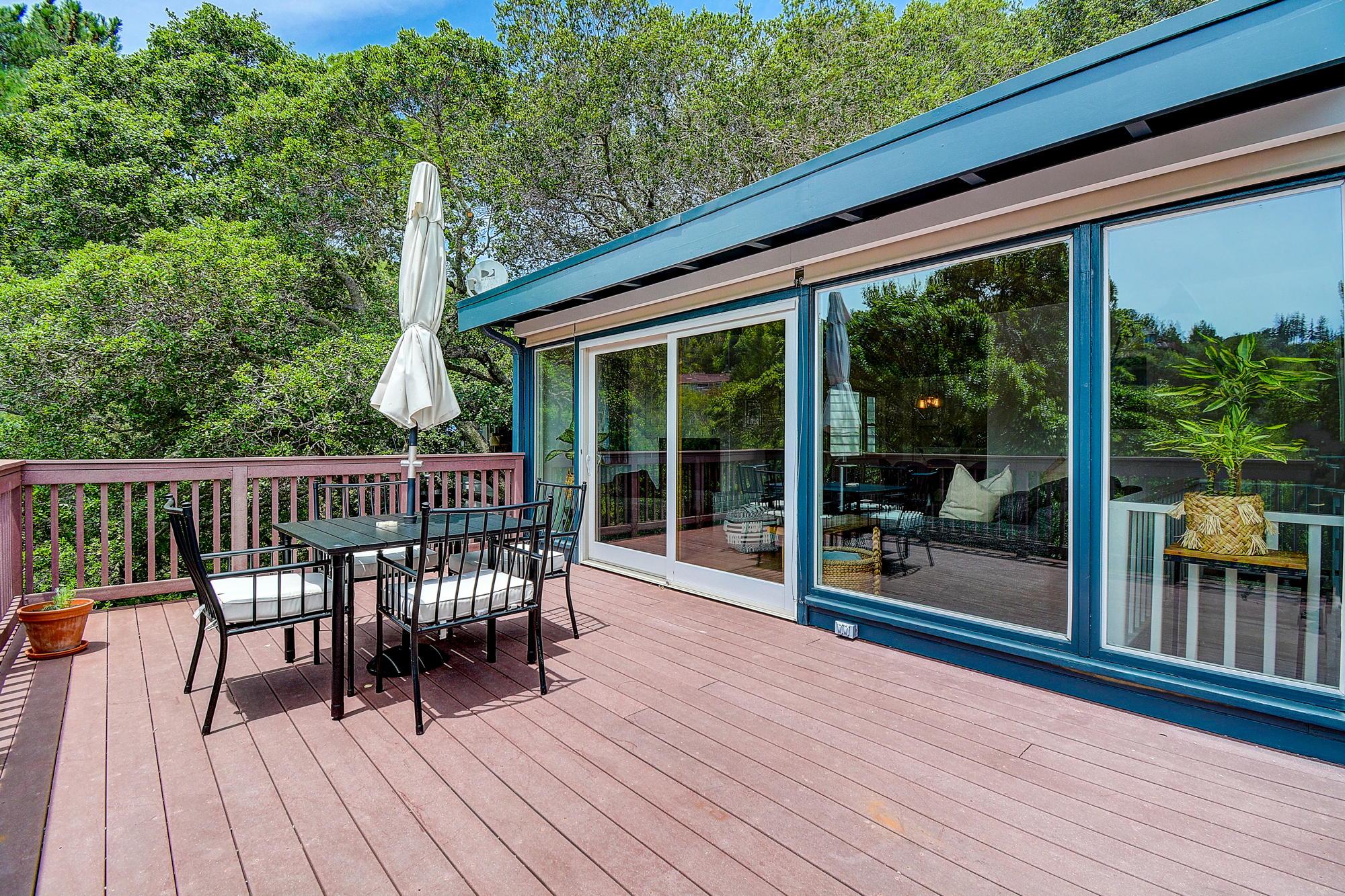 15 Gloria Drive, San Rafael Real Estate-10-2- Julia Fitzpatrick & Allie Fornesi Team Own Marin at Compass.jpg