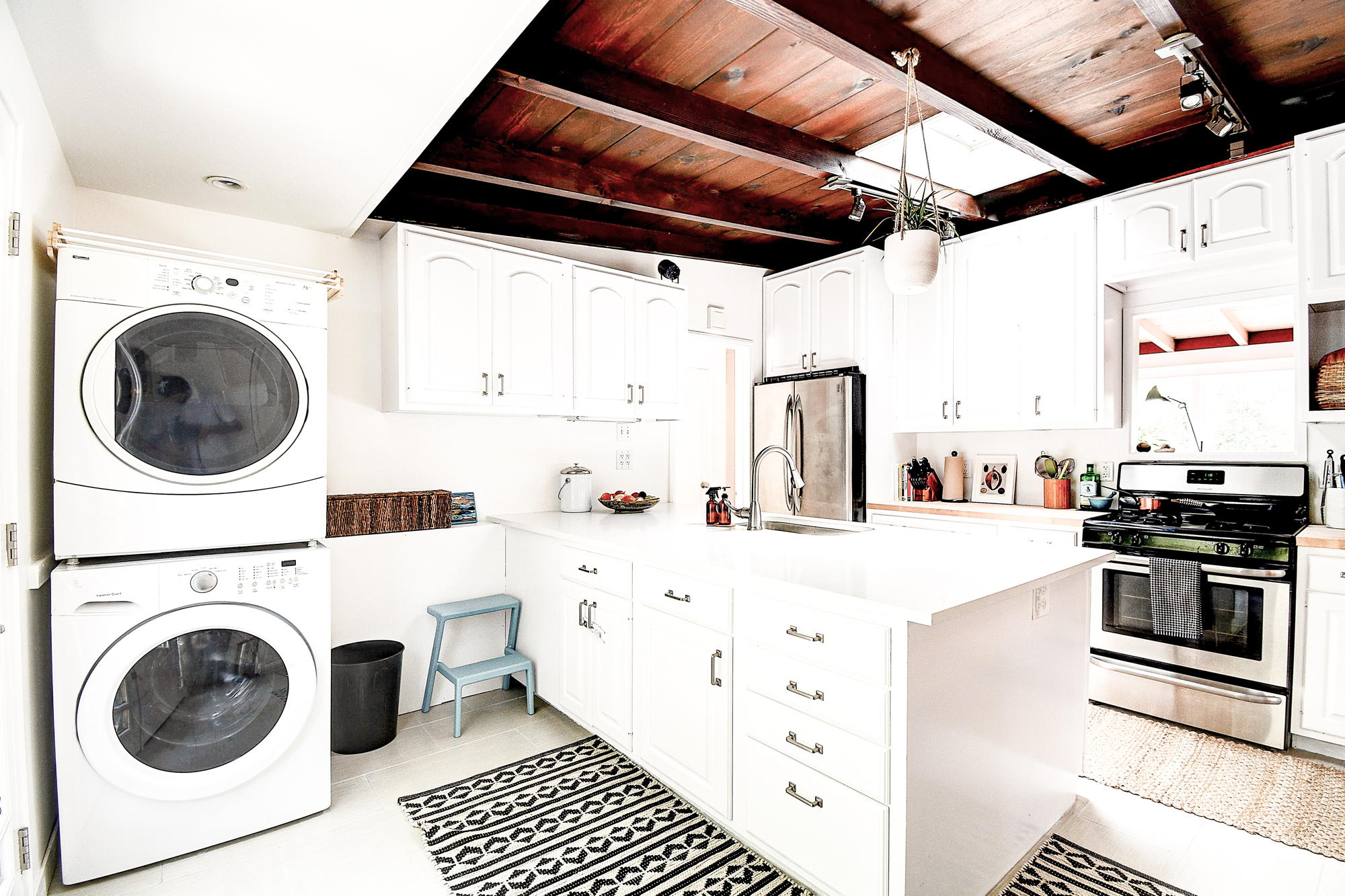 15 Gloria Drive, San Rafael Real Estate-22-2- Julia Fitzpatrick & Allie Fornesi Team Own Marin at Compass.jpg