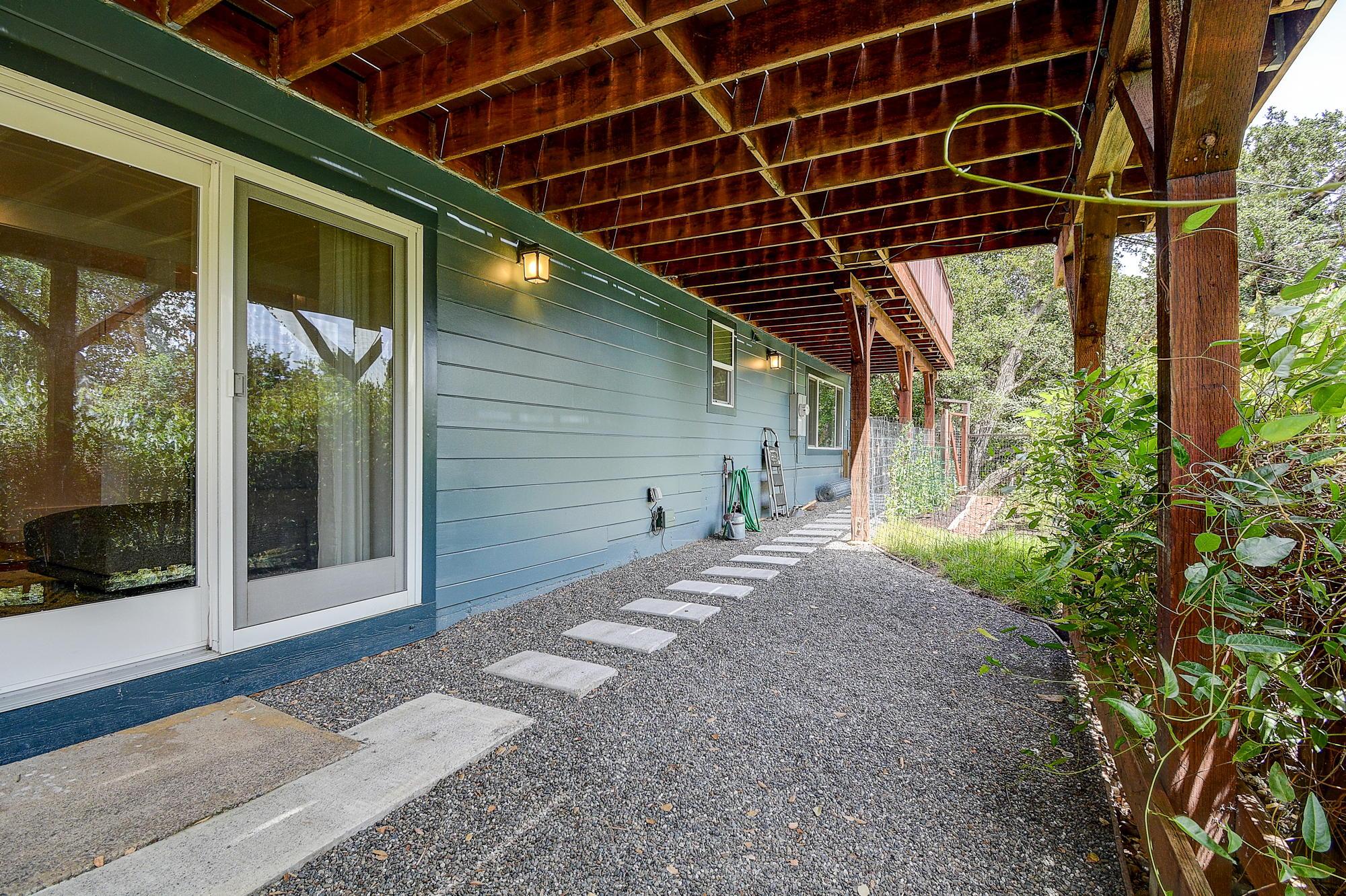 15 Gloria Drive, San Rafael Real Estate-45-2- Julia Fitzpatrick & Allie Fornesi Team Own Marin at Compass.jpg