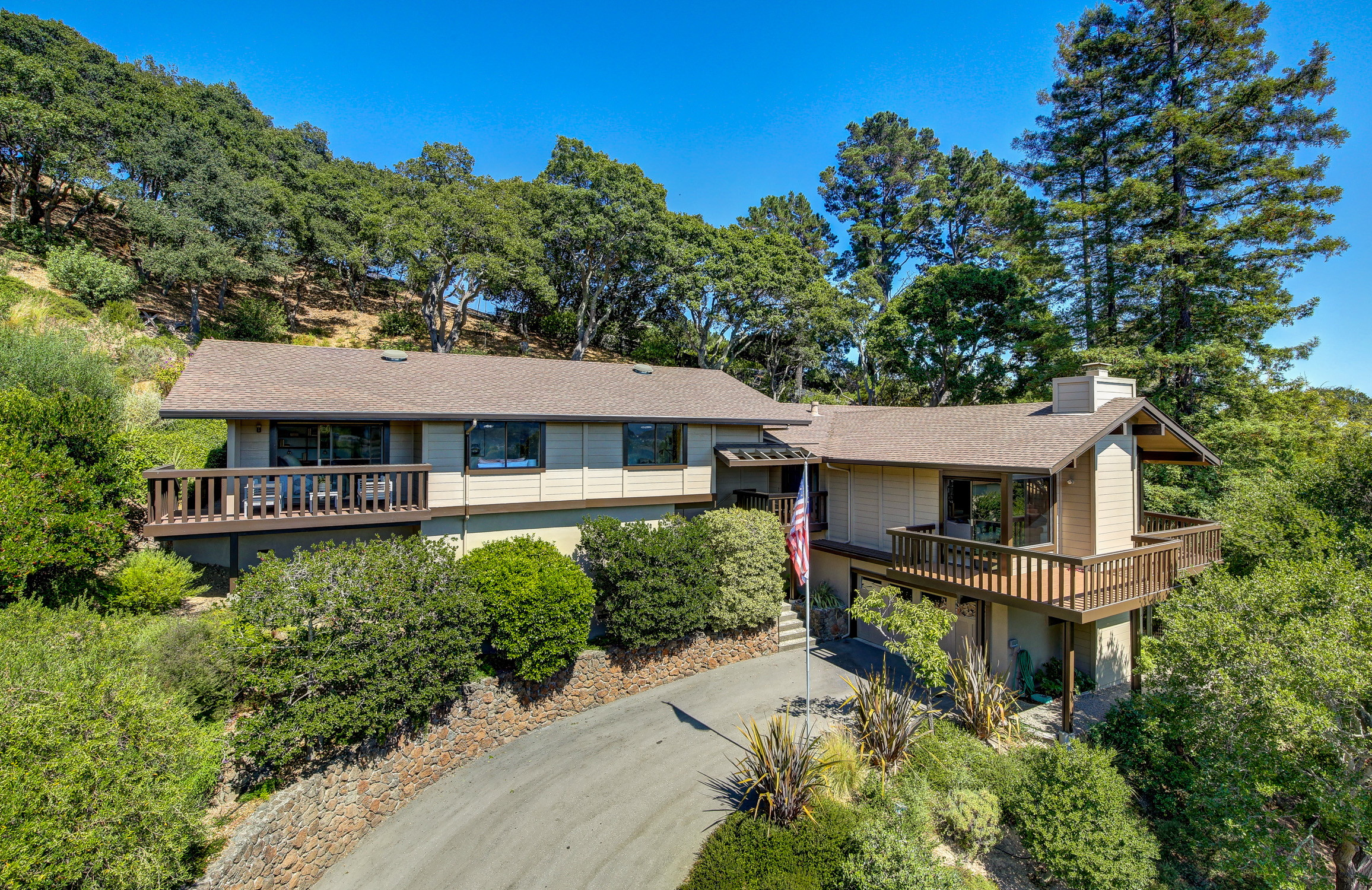 16Dorian 03 MLSSan Rafael Real Estate - Listed by Julia Fitzpatrick + Allie Fornesi Team Own Marin County .jpg