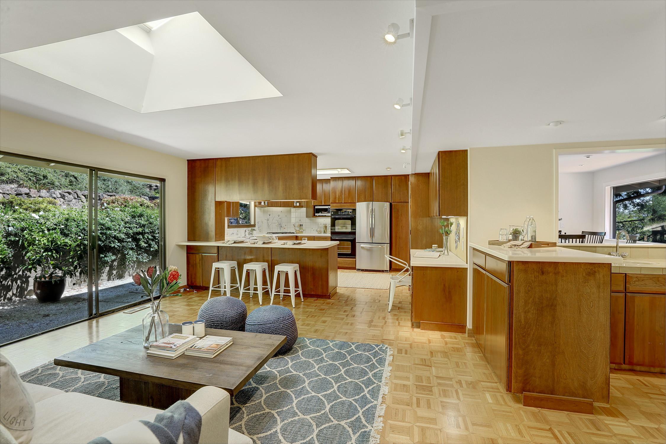 16Dorian 15 MLSSan Rafael Real Estate - Listed by Julia Fitzpatrick + Allie Fornesi Team Own Marin County .jpg