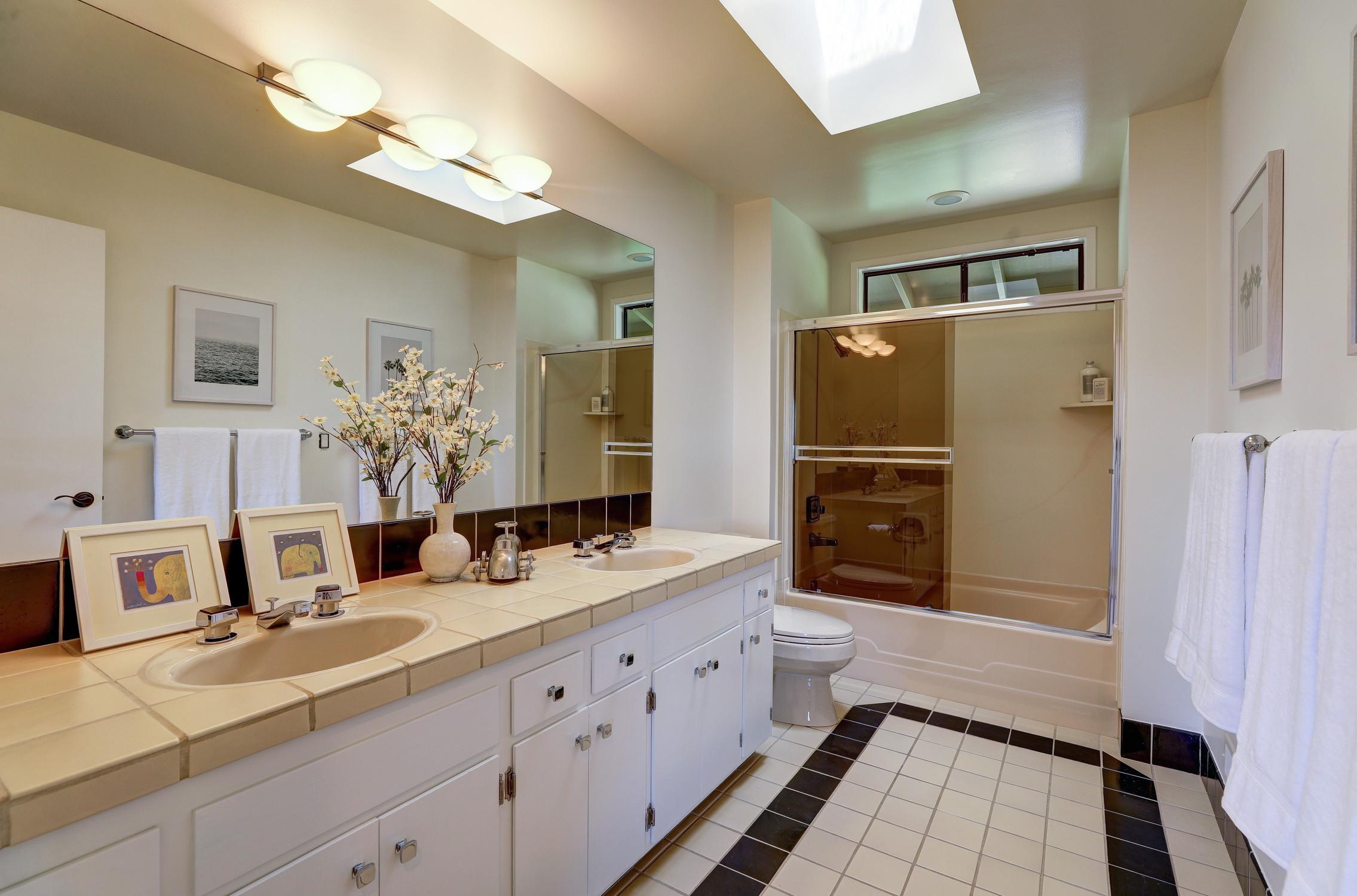 16Dorian 51 MLSSan Rafael Real Estate - Listed by Julia Fitzpatrick + Allie Fornesi Team Own Marin County .jpg