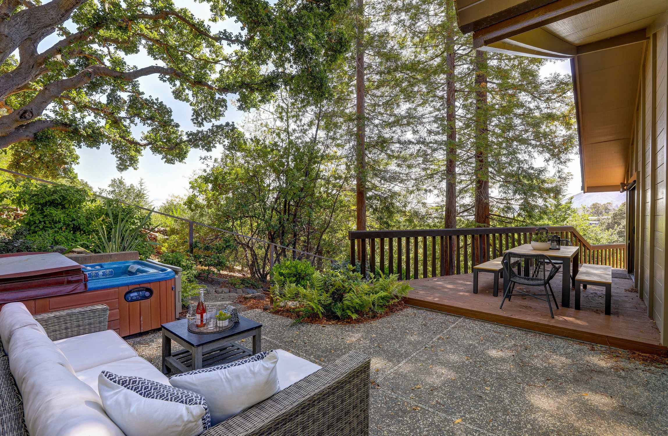 16Dorian 62 MLSSan Rafael Real Estate - Listed by Julia Fitzpatrick + Allie Fornesi Team Own Marin County .jpg