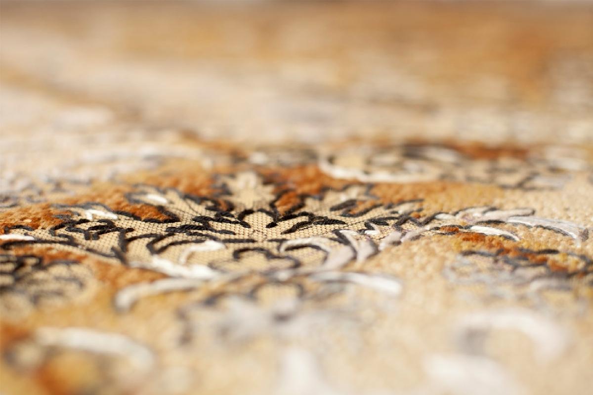 12. Georgina Cue Substance of Light (Detail), 2015, Acrylic yarn on tapestry canvas, 250cm × 250cm × 190cm.jpg