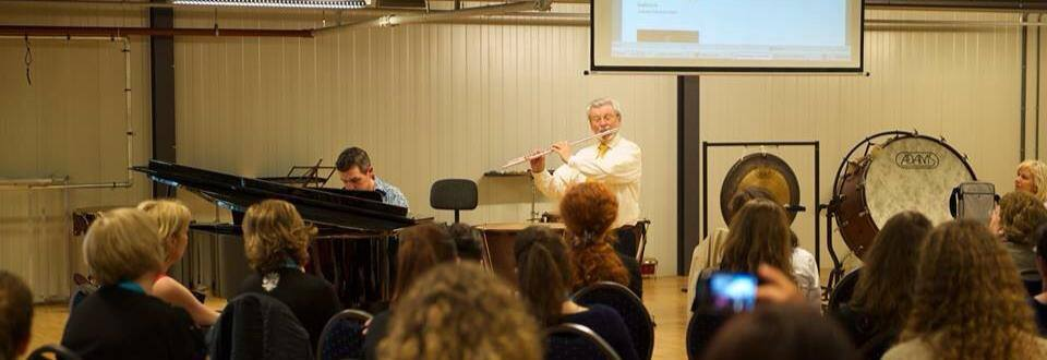 Playing my arrangement of Danny Boy with Sir James Galway - April 2013