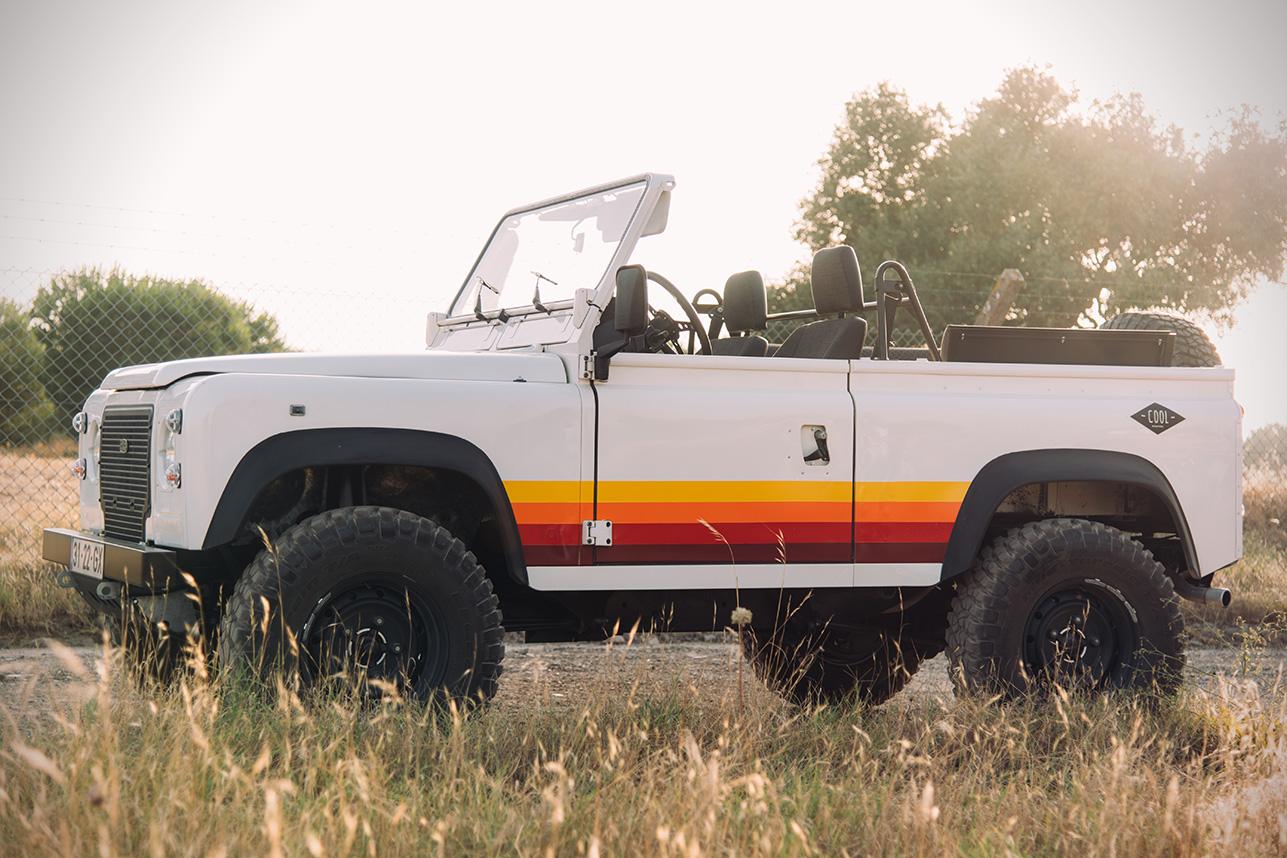 1996-Land-Rover-Defender-D90-Beach-Runner-00.jpg