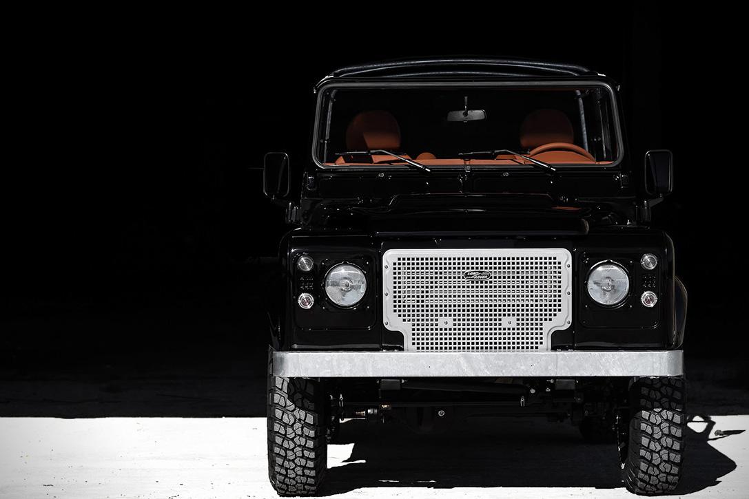 Back-in-Black-Land-Rover-Defender-by-Cool-Vintage-2.jpg