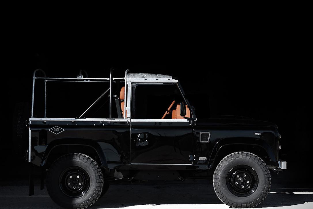 Back-in-Black-Land-Rover-Defender-by-Cool-Vintage-3.jpg