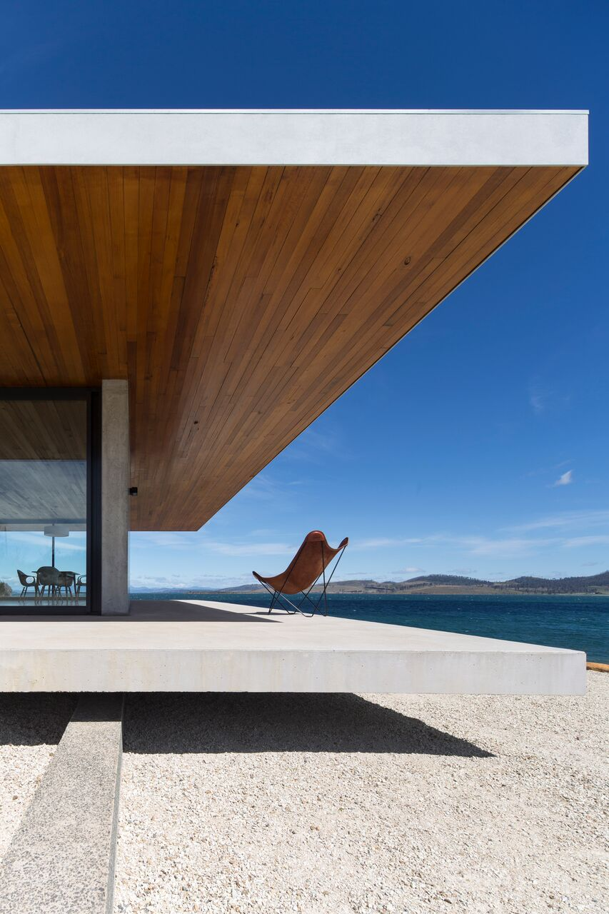 Local-Australian-Architecture-Younger-House-Designed-by-Stuart-Tanner-Architects-1.jpeg