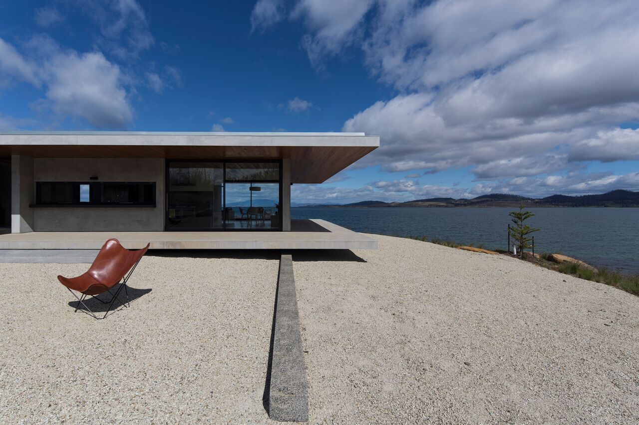 Local-Australian-Architecture-Younger-House-Designed-by-Stuart-Tanner-Architects-3.jpeg