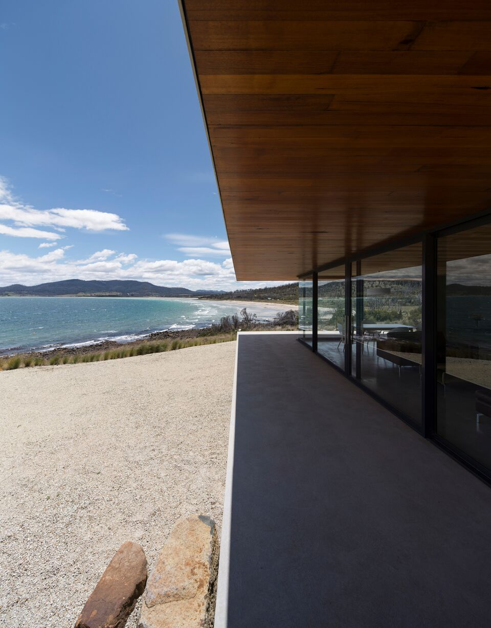 Local-Australian-Architecture-Younger-House-Designed-by-Stuart-Tanner-Architects-5.jpeg