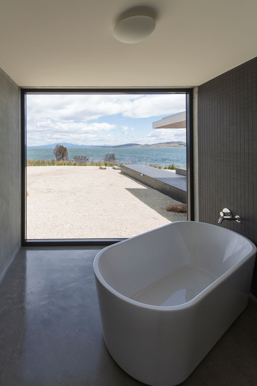 Local-Australian-Architecture-Younger-House-Designed-by-Stuart-Tanner-Architects-9.jpeg