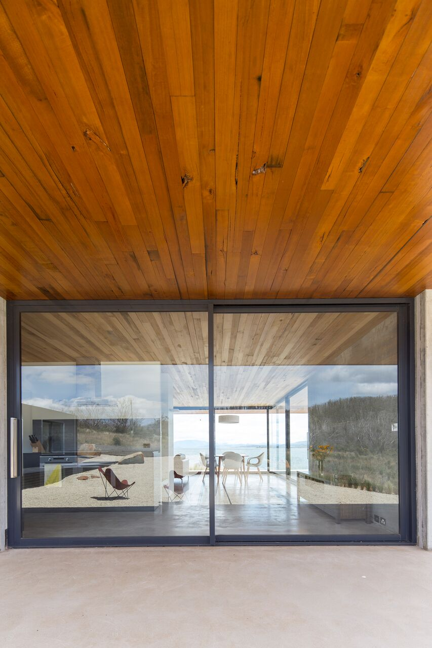 Local-Australian-Architecture-Younger-House-Designed-by-Stuart-Tanner-Architects-10.jpeg