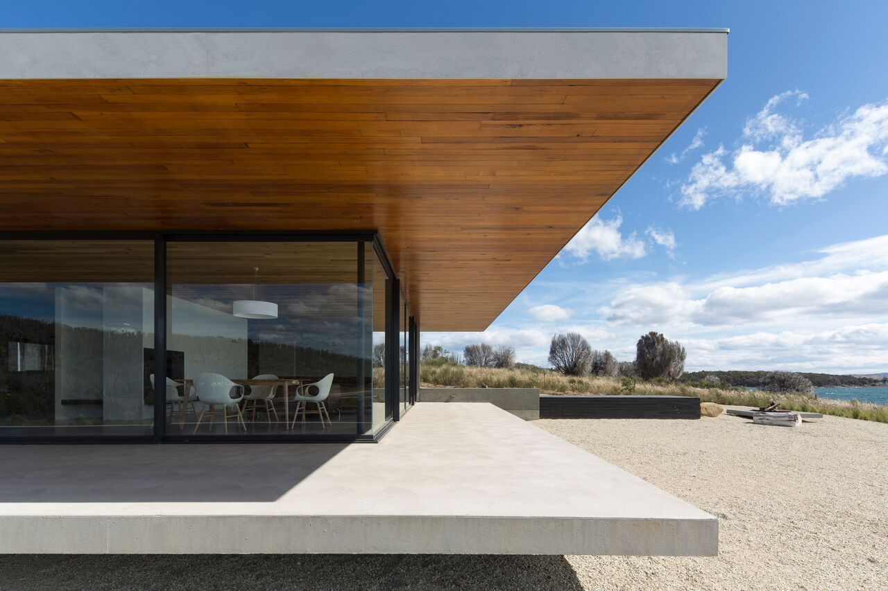 Local-Australian-Architecture-Younger-House-Designed-by-Stuart-Tanner-Architects-11.jpeg