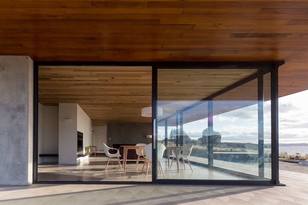 Local-Australian-Architecture-Younger-House-Designed-by-Stuart-Tanner-Architects-13.jpeg