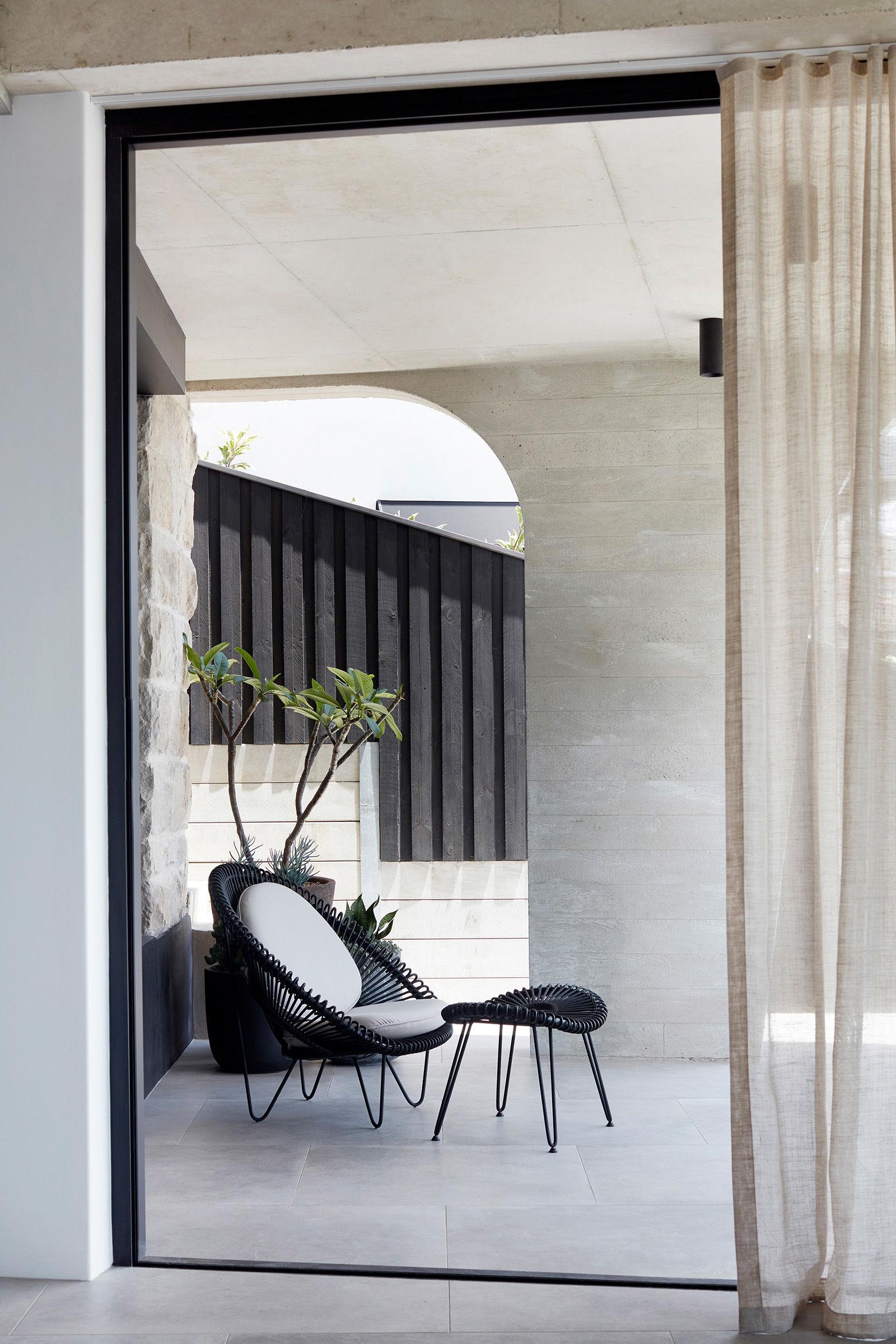 luigi-rosselli-architects---tamas-tee-home----006.jpg
